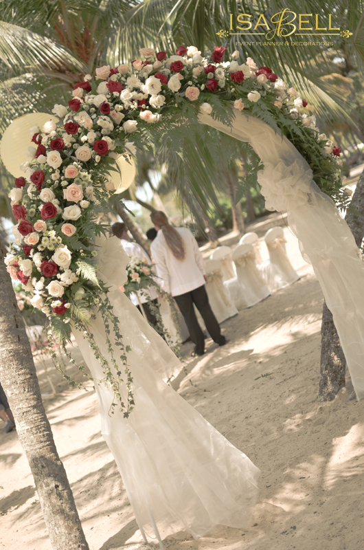 VOW Exchange ceremony at Shangri La's Rasa Sayang Hotel Beach