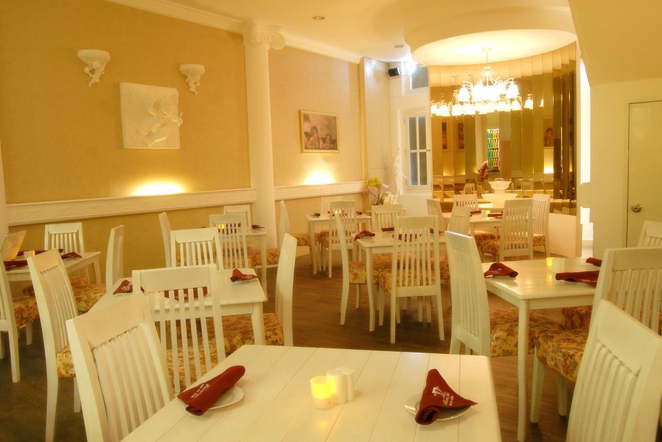 Heaven Gate Restaurant & Lounge1